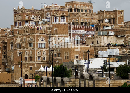 View of traditional architecture in the old city of Sana'a, a UNESCO World Heritage Site. - Stock Photo