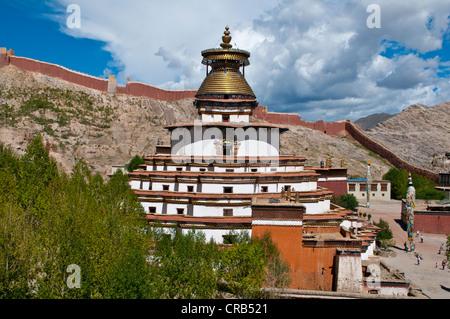 The Kumbum, Gyantse Monastery, Gyantse, Tibet, Asia - Stock Photo