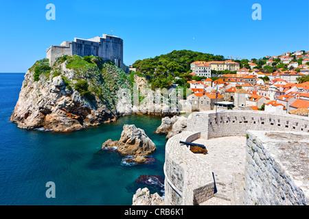 Fort Lovrijenac and the city walls of Dubrovnic, UNESCO World Heritage Site, central Dalmatia, Dalmatia, Adriatic - Stock Photo