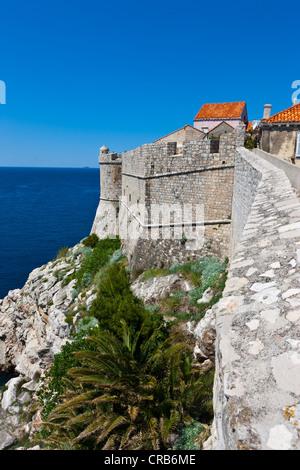 City walls of Dubrovnic, UNESCO World Heritage Site, central Dalmatia, Dalmatia, Adriatic coast, Croatia, Europe, - Stock Photo