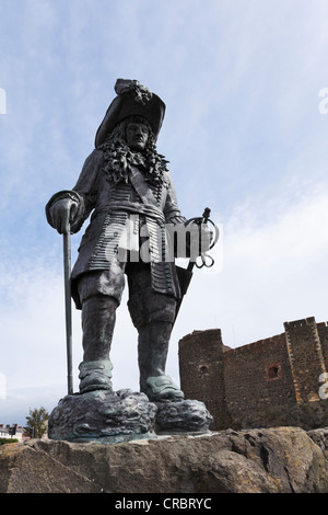Statue of King William III in memory of 14th June 1690, in front of Carrickfergus Castle, County Antrim, , United - Stock Photo