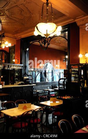 Restaurant le falstaff art nouveau in brussels belgium for Innendekoration restaurant
