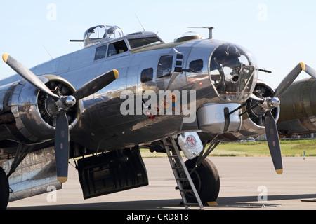 A World War II B-17 Flying Fortress Bomber. Wings and Wheels Expo, Teterboro Airport, Teterboro, NJ, USA - Stock Photo