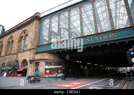 Hielanman's umbrella glass walled railway bridge for glasgow central station scotland uk - Stock Photo