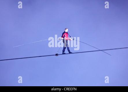 Nik Wallendar on his high wire walk over Niagara Falls for Goat Island Niagara,New York Sate to Niagara Falls in - Stock Photo