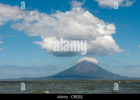Volcanic island of Ometepe and the stratovolcano Volcán Concepción, 1610m in Lago de Nicaragua, Nicaragua, Central - Stock Photo