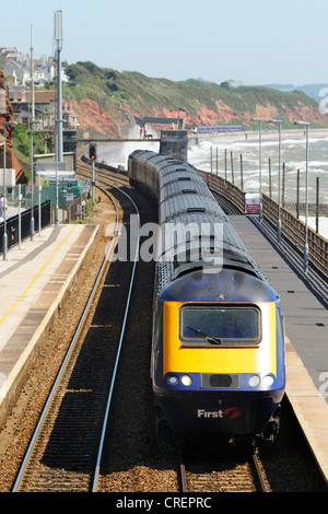 First Great Western HST express train passing through Dawlish Railway Station - Stock Photo