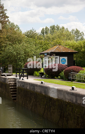 Buscot Lock on the River Thames, Oxfordshire, England. - Stock Photo