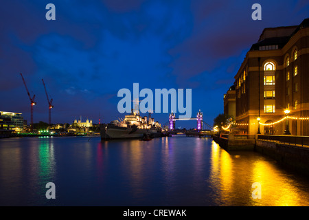 England, London, Southwark. HMS Belfast, originally a Royal Navy light cruiser, permanently moored in London on - Stock Photo