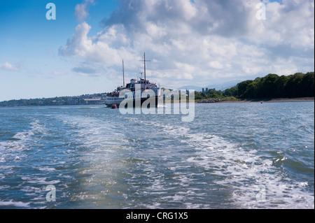 Balmoral steaming through the menai straits, - Stock Photo