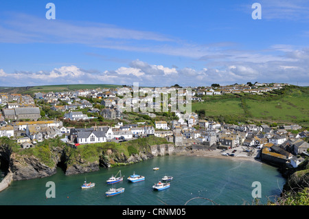 Boats in the harbour of Port Isaac, a small fishing village on the North Cornwall coast. - Stock Photo