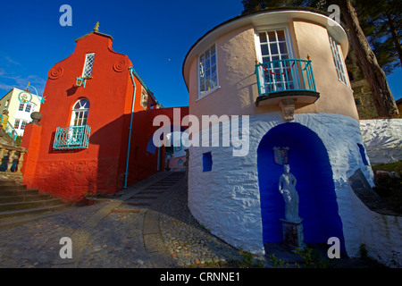 The Italianate resort village of Portmeirion in Gwynedd. Built by Clough Williams-Ellis from 1925 to 1975, the village - Stock Photo