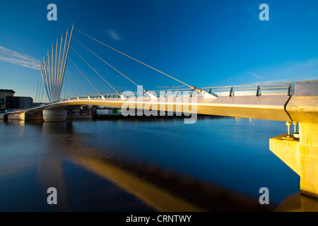 Swing Bridge located near MediaCity UK on Salford Quays near Old Trafford in Manchester. - Stock Photo