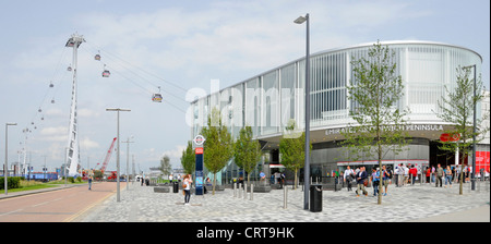 Ticket office & Emirates Air Line sponsored cable car service crossing River Thames between Greenwich Peninsula - Stock Photo