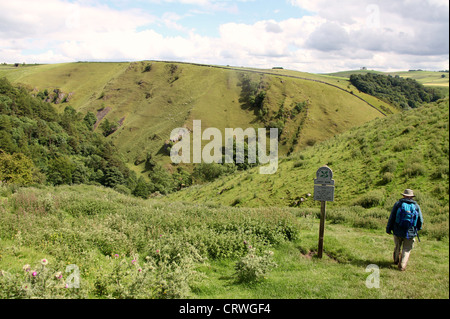 Gypsy Bank in the Peak District which leads down to Wolfscote Dale - Stock Photo