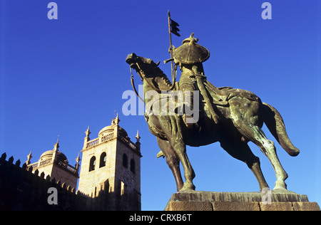 Count Vimara Peres statue and Cathedral towers, Porto, Portugal - Stock Photo