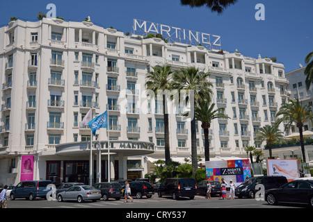 Art deco hotel martinez boulevard de la croisette cannes - Hotel martinez cannes tarifs chambres ...