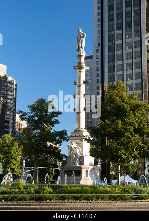 Statue if Christopher Columbus in the centre of Columbus Circle in Manhattan, New York, USA. - Stock Photo