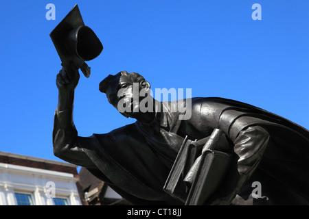 The Scholar sculpture, High Street, Guildford, Surrey, England - Stock Photo