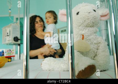 CHILD HOSPITAL PATIENT - Stock Photo