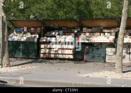 Bouquinistes book stall, rive gauche, Quai de la Tournelle, Paris, France - Stock Photo