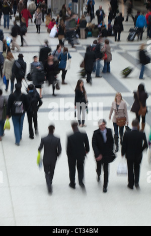 People (Homo sapiens). Arrival, departure concourse. Liverpool Street Rail Station. London. England. - Stock Photo