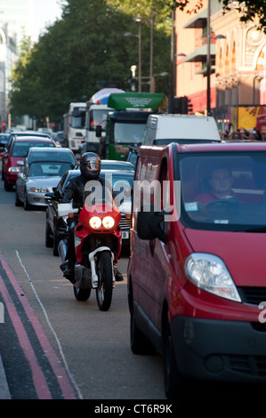 Queuing traffic in the centre of the city of London, England. - Stock Photo