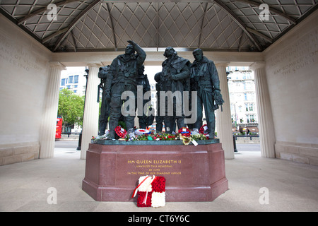 9ft Bronze Sculpture of seven-man bomber crew inside the Bomber Command memorial in London's Green Park, England, - Stock Photo