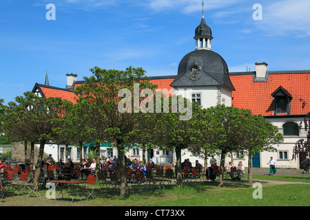 wasserschloss haus rodenberg in dortmund aplerbeck ruhrgebiet stock photo royalty free image. Black Bedroom Furniture Sets. Home Design Ideas