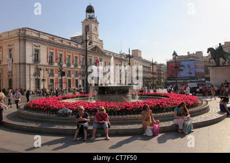 Plaza puerta del sol madrid spain stock photo royalty for Plaza puerta del sol madrid spain