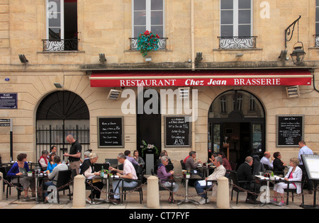 France, Aquitaine, Bordeaux, Place du Parlement, restaurant, people, - Stock Photo