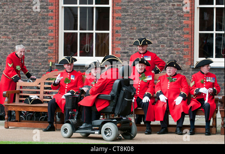 The annual 'Founders Day' parade at the Royal Hospital in Chelsea attended by Chelsea Pensioners and the Countess - Stock Photo