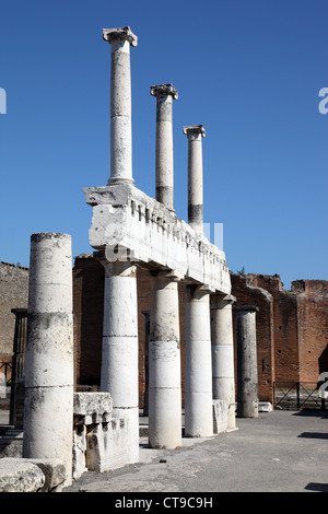 Roman ruins at Pompeii, city buried under ash from Vesuvius eruption, Italy - Stock Photo