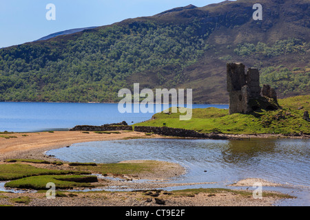 Ardvreck castle ruins on shore of Loch Assynt in Scottish northwest Highlands near Inchnadamph Sutherland Scotland - Stock Photo