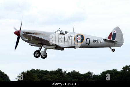Spitfire Mk LFIXe (MK356 'UF-Q') at Farnborough Airshow 2012 - Stock Photo