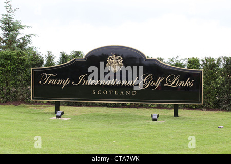Sign at the new Trump International Golf Links course in Aberdeenshire, Scotland, UK. Owned by businessman Donald - Stock Photo