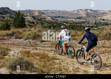 Mountain biker, Maah Daah Hey Trail, Medora, North Dakota, USA - Stock Photo