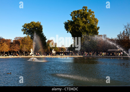 Autumn in the Tuileries Gardens, just off the Place de la Concorde. - Stock Photo