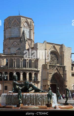 Spain, Valencia, Plaza de la Virgen, Cathedral, fountain, - Stock Photo