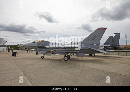 Farnborough International Airshow General Dynamics F-16 Fighting Falcon