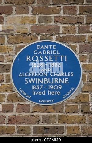 blue plaque marking the cheyne walk home of dante gabriel rossetti and algernon charles swinburne, chelsea, london, - Stock Photo
