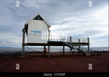 Morecambe & Heysham Yacht Club 'Race Office' on Morecambe Seafront, Lancashire, England. - Stock Photo