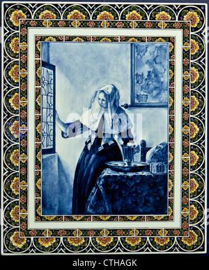 Old Delfts blue earthenware. The Koninklijke Porceleyne Fles (1652) is the only remaining factory of 32 earthenware - Stock Photo
