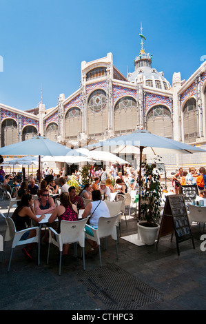 Outdoor cafe' at Mercado Central (Central Market), Valencia, Spain - Stock Photo