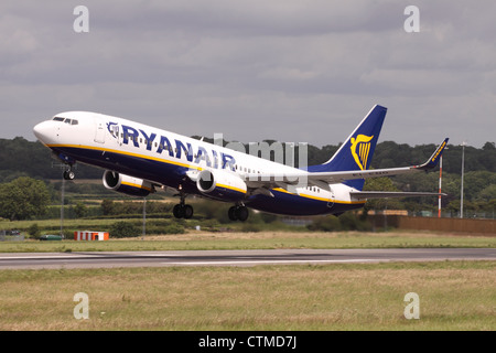 Ryanair Boeing 737-800 plane taking off - Stock Photo