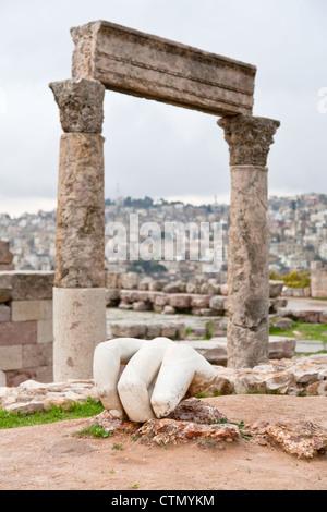 Hercules hand near Temple of Hercules in antique citadel in Amman, Jordan - Stock Photo