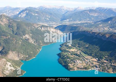 LAKE CASTILLON (aerial view). Reservoir on the Verdon River in the French Southern Alps, Saint-Julien-du-Verdon, - Stock Photo