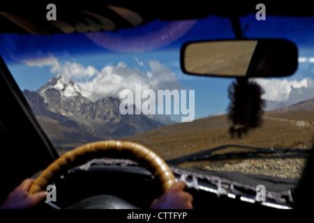 Driving up to Mt Huayna Potosi, Calahuyo, Cordillera real, Bolivia, Andes, South America, the Altiplano, high plateau - Stock Photo