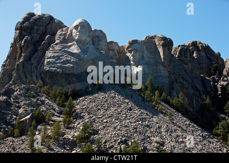 General view Mt. Rushmore with sculptures of former presidents George Washington, Thomas Jefferson, Theodore Roosevelt, - Stock Photo