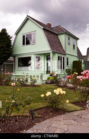 House Front Garden Border Roses Hemerocallis Phlox